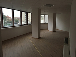 Office in office building - Sliven, center (1)